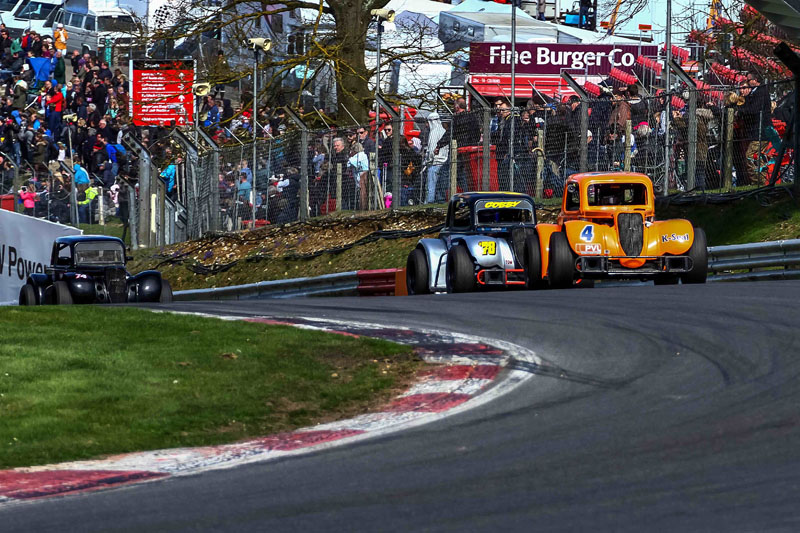 2015 - Round 3 - Brands Hatch Gallery Image 10